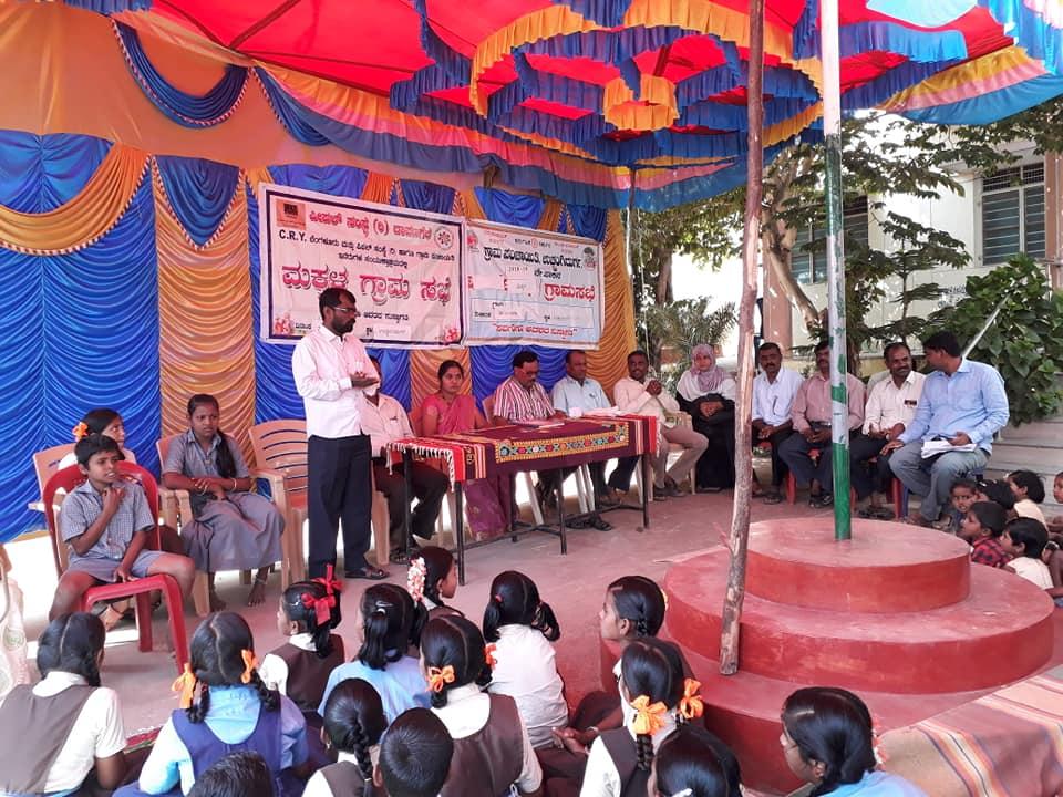 /media/People/People-Makkala_grama_sabha.jpg