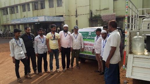 /media/amkek/Al-_Marwa_Ngo-_Fruit_distribution_programme-2.jpg