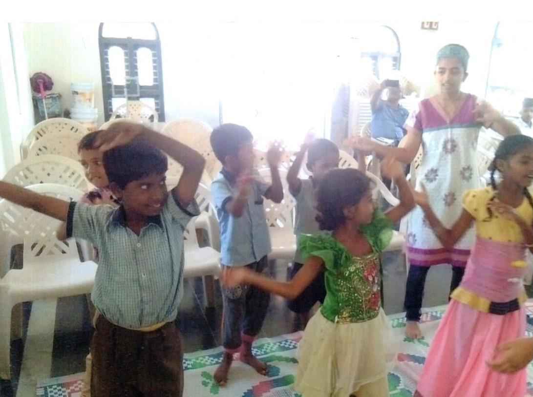 /media/ashrayadhama/1NGO-00060-Ashryadhama-Activity-Dance_practice_program.jpg