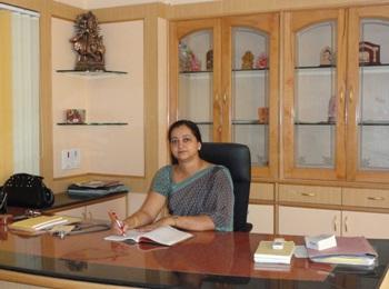 /media/ashwini/1NGO-000018-Ashwini_Medical_Hospital-Board_members-Mrs._Sujatha_Raghavendra.jpg