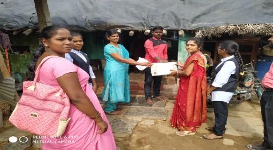 /media/hongirana/1NGO-00252-Hongirana_Samsthe-Activities-Neighborhood_Relief_Program.jpg