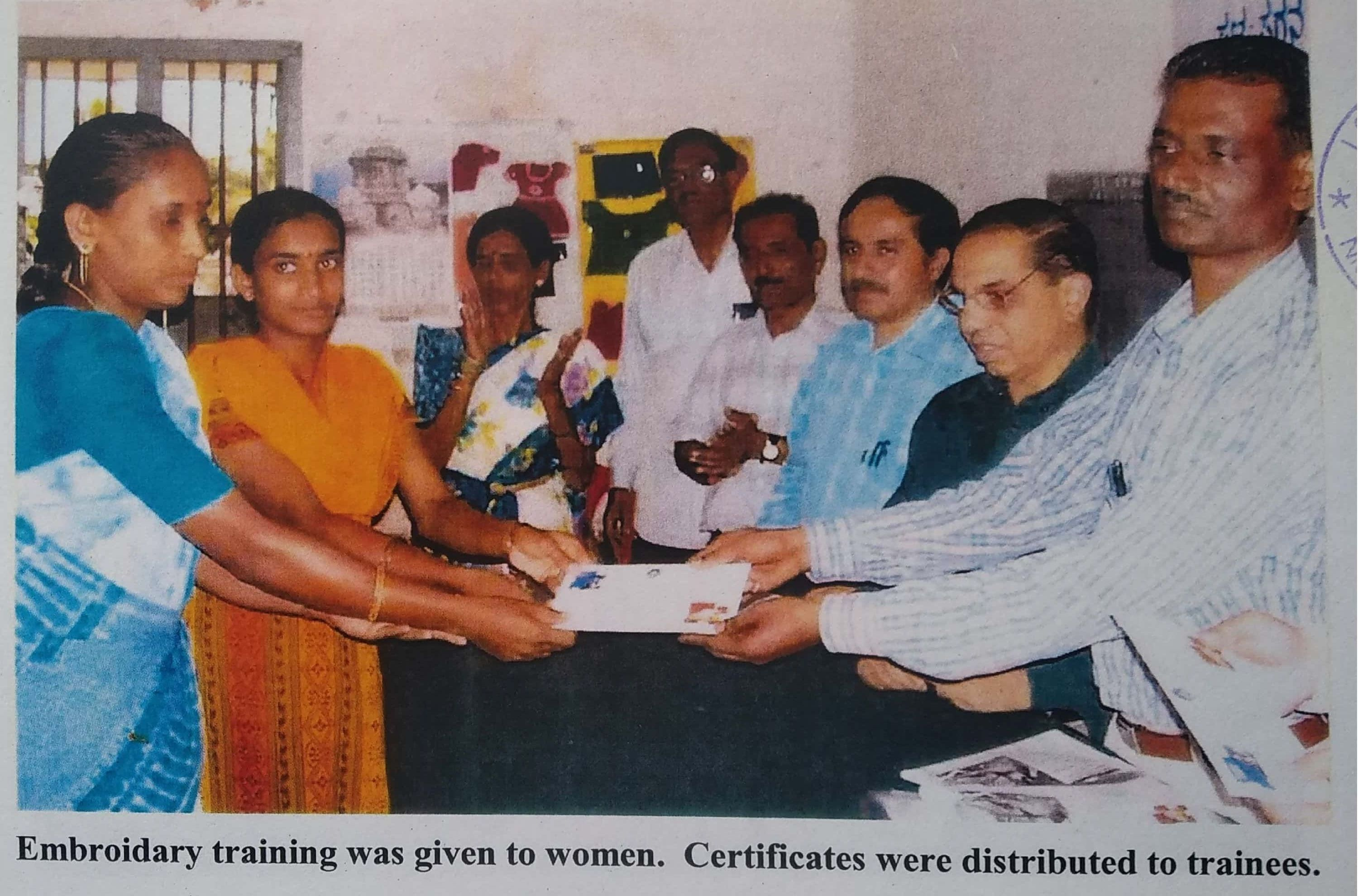/media/iscerd/Embroidary_Training_certificates_were_isued_to_trainees_by_ISCERD.jpg