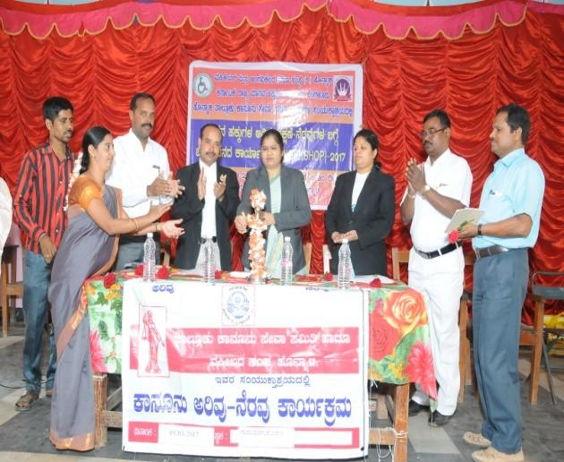 /media/mmass/1NGO-00274-Mahileyara_Mattu_Angavikalara_Seva_Samsthe-Activities-Legal_awareness.jpg