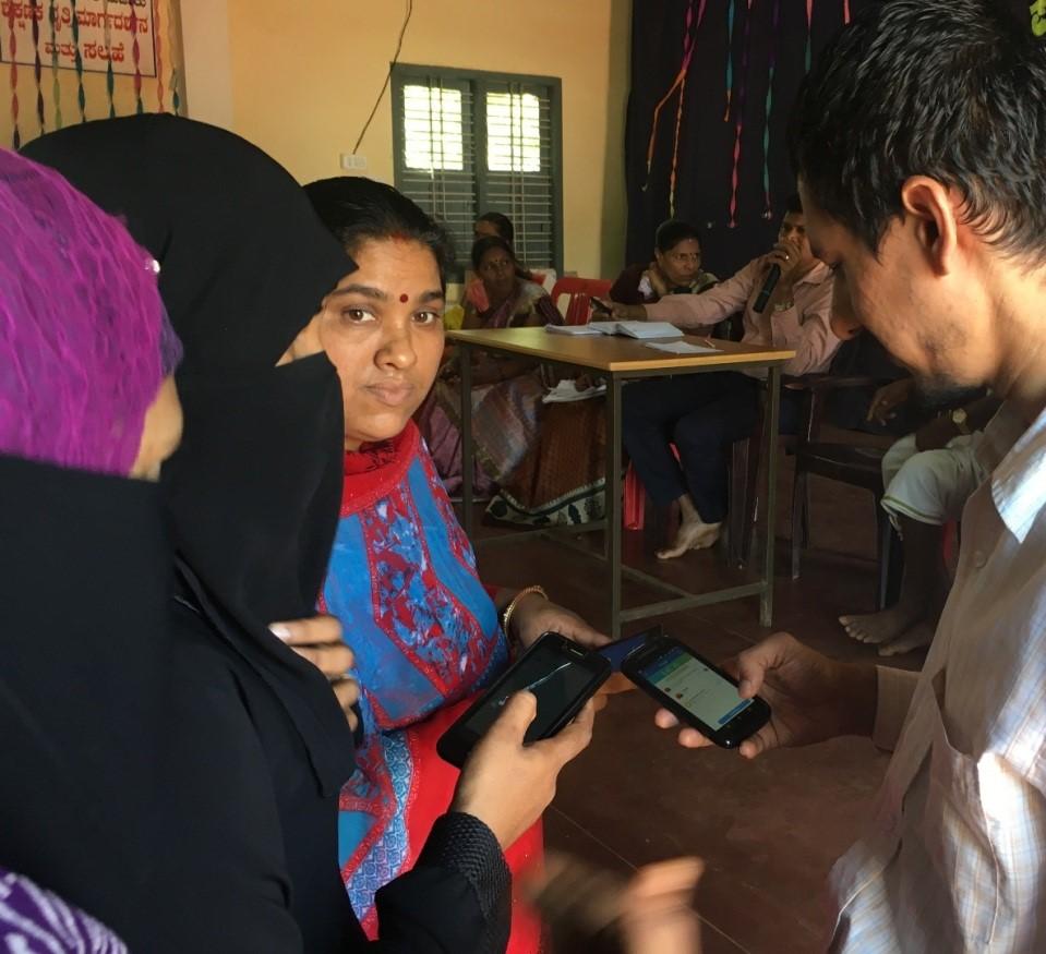 /media/shriraksha/1NGO-00350-Shri_Raksha_Federation_For_Rural_Development-Activities-Digitalization_training.jpg