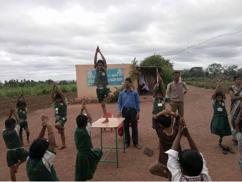 /media/ssrdsociety/1NGO-00402-Shri_Siddeshwar_Rural_Development_Society-Activities-Yoga_Day.JPG