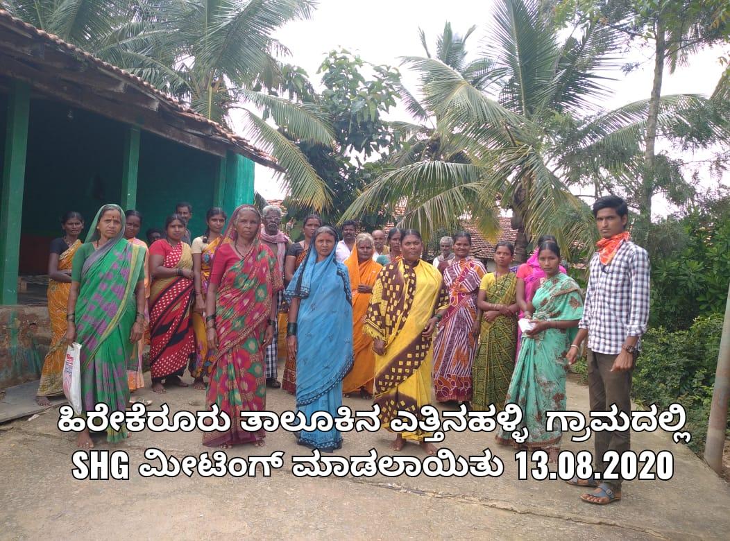 /media/varakhavi/1NGO-00276-Shri_Varakhavi_Sarvangnya_Samsthe-Activities-SHG_Meeting.jpg